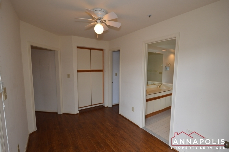 2707-summerview-way-301-id1062-lower-master-dressing-room-b