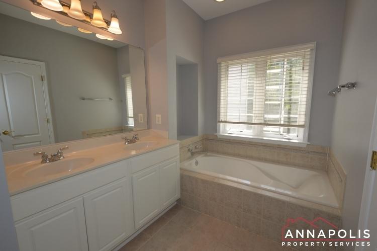 412-penwood-drive-id1063-master-bath-a(1)