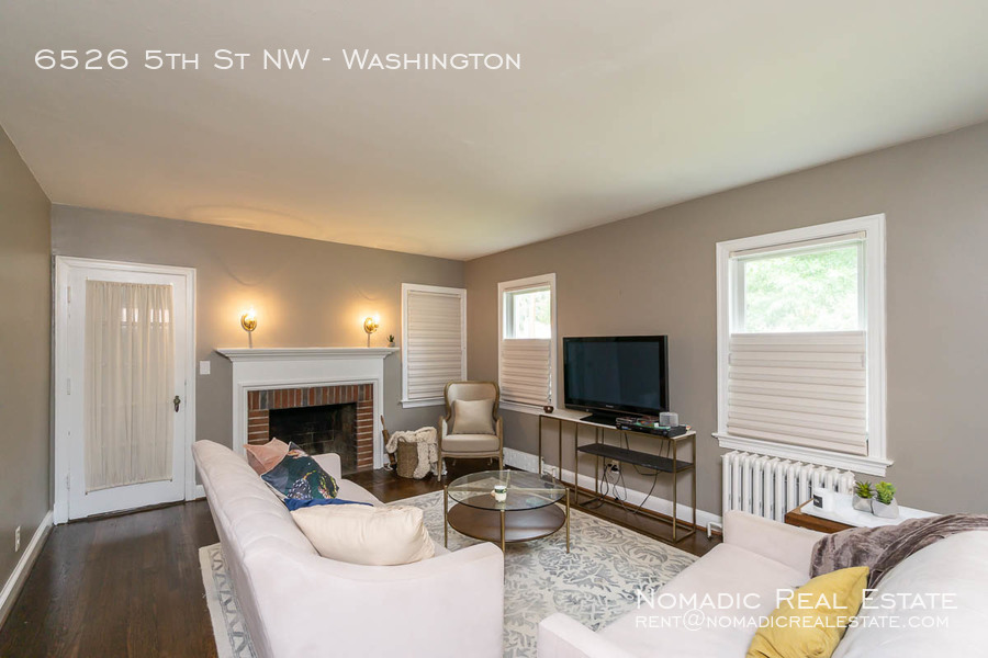 6526-5th-st-nw-20190909-002