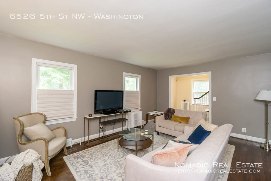 6526-5th-st-nw-20190909-003