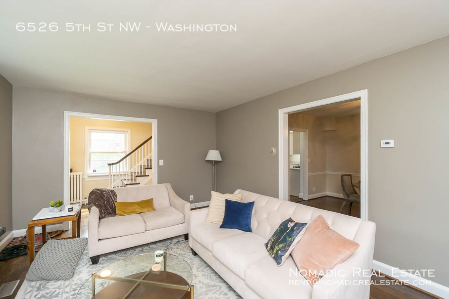 6526-5th-st-nw-20190909-004