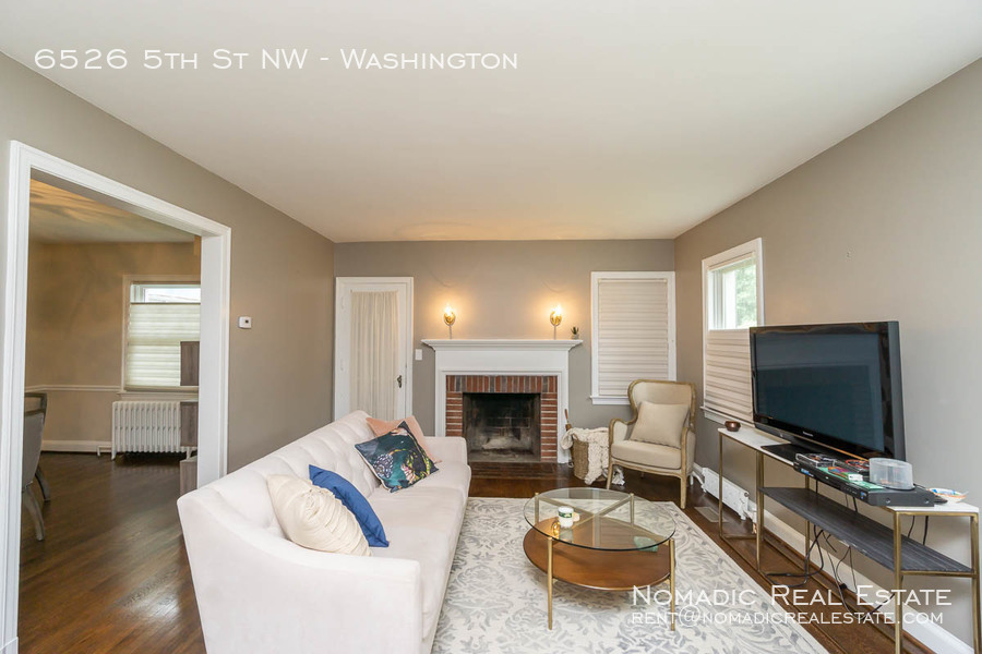 6526-5th-st-nw-20190909-005