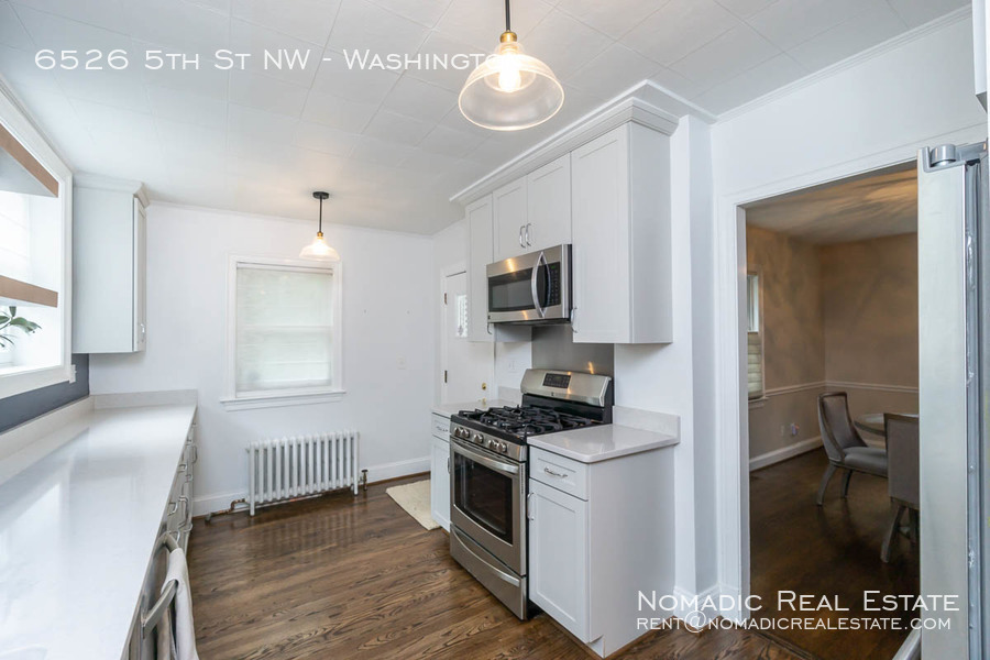 6526-5th-st-nw-20190909-012