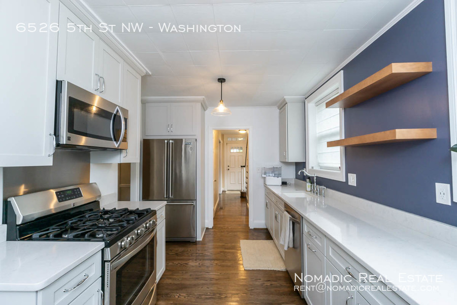6526-5th-st-nw-20190909-014