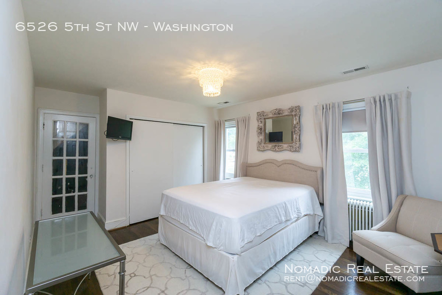 6526-5th-st-nw-20190909-023
