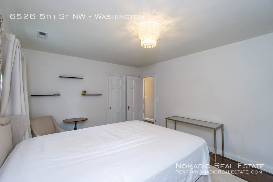 6526-5th-st-nw-20190909-025
