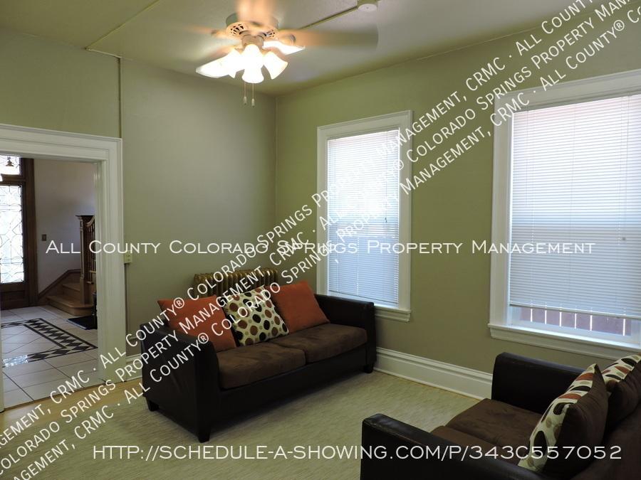 Room_for_rent_near_colorado_college-common_area2