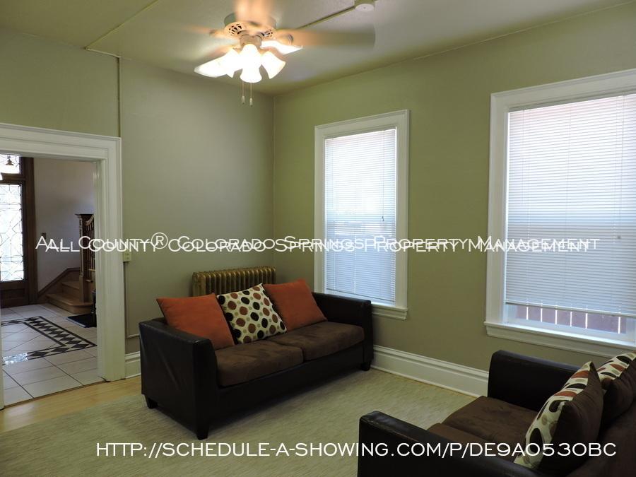 Room_for_rent_near_colorado_college-common_area_2