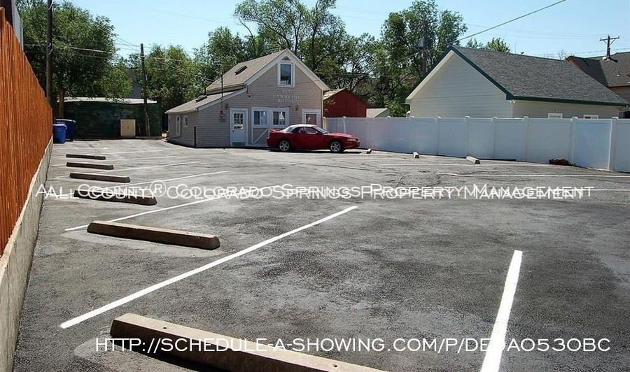 Room_for_rent_near_colorado_college-reserved_parking