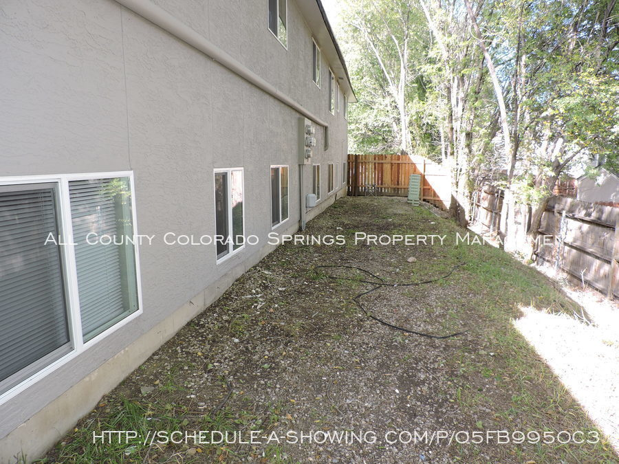 Apartment_for_rent_very_close_to_peterson_air_force_base-5