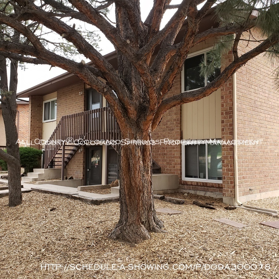 Apartment_for_rent_close_to_peterson_air_force_base_afb-exterior