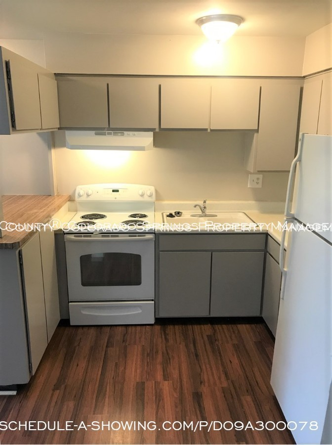 Apartment_for_rent_close_to_peterson_air_force_base_afb-kitchen