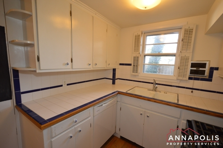 8-jefferson-place-id255-kitchen-dnn