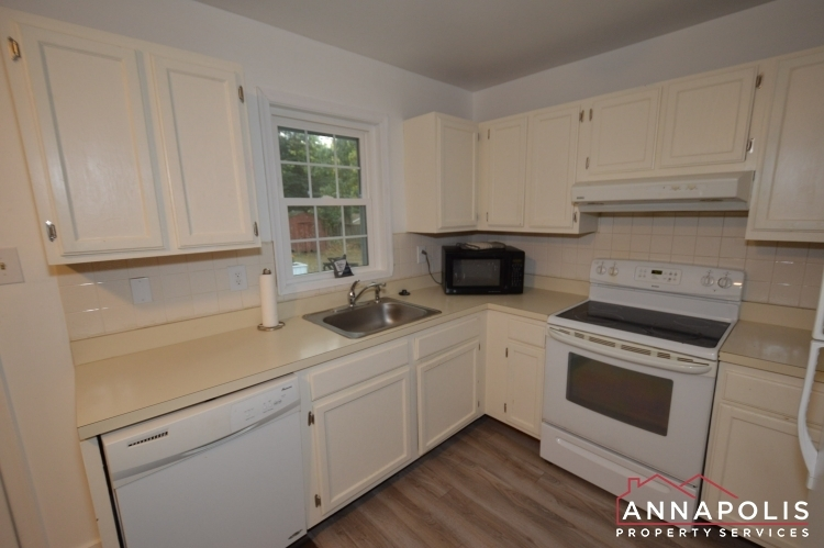 101-great-oak-drive-id1069-kitchen-b(2)