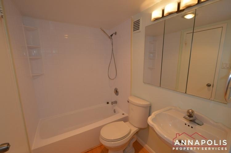 316-burnside-306-id262-bathroom-ann