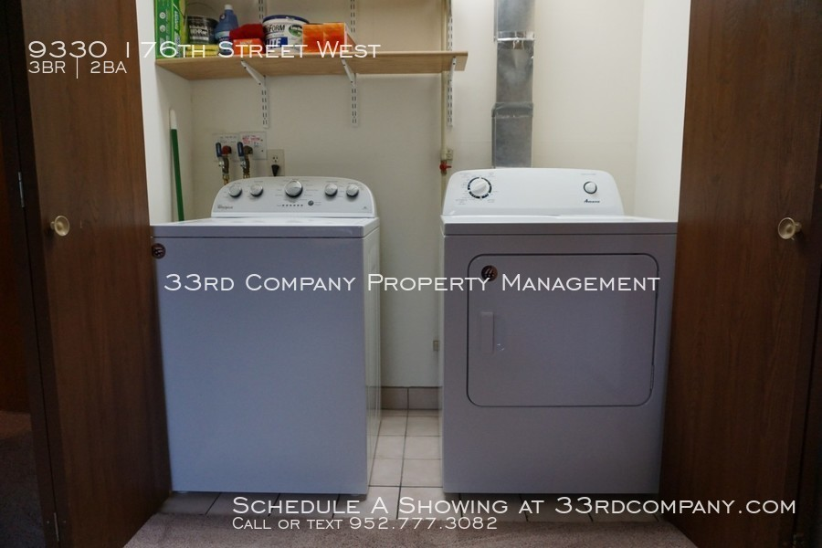 10_-_main_level_laundry_closet