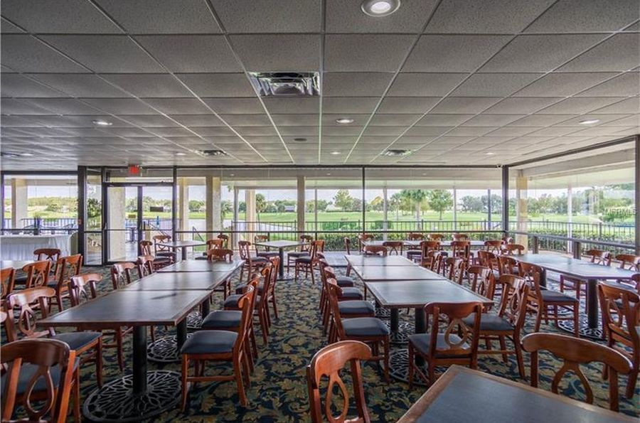 Golf_clubhouse_interior