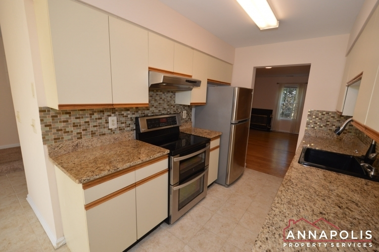 977-breakwater-drive-id636-kitchen-bn