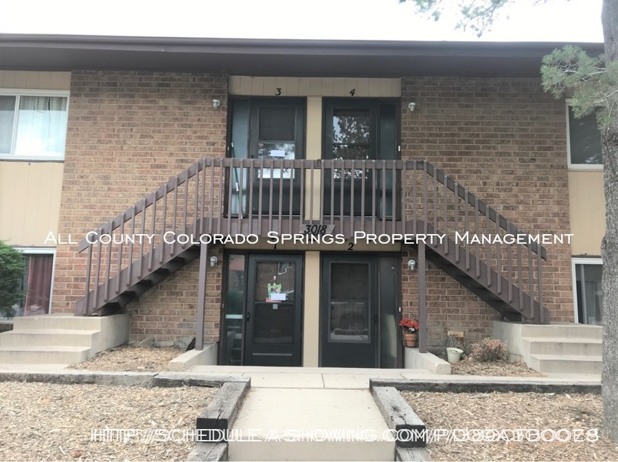 Apartment_for_rent_close_to_peterson_air_force_base_afb-front_exterior