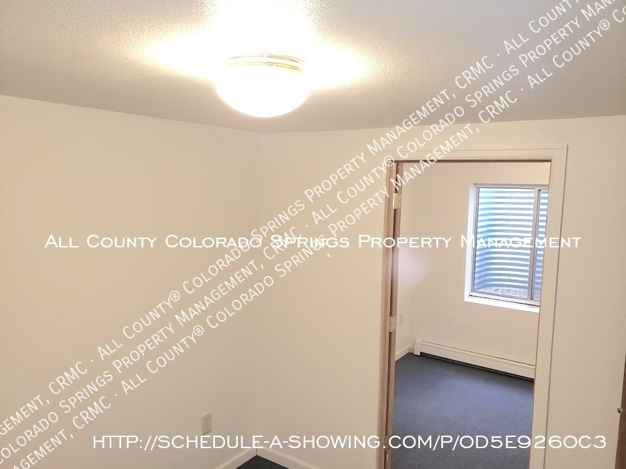 Peaceful_country_home_for_rent__close_to_schriever_air_force_base-view_from_one_ll_room_to_2nd_room