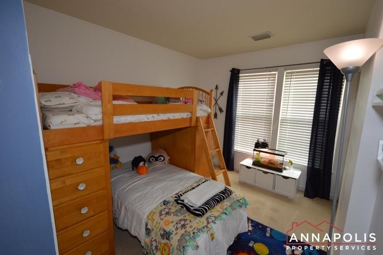 700-pine-drift-drive-id1071-bedroom-2b(2)