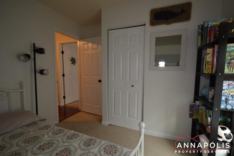 700-pine-drift-drive-id1071-bedroom-3b