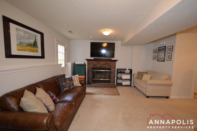 700-pine-drift-drive-id1071-family-room-a(1)