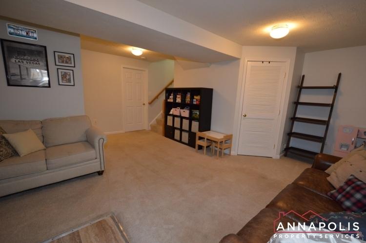 700-pine-drift-drive-id1071-family-room-b(1)