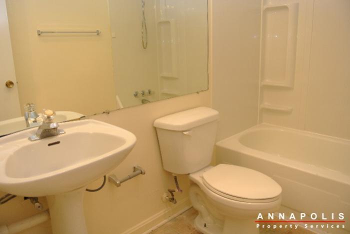 17-silverwood-circle-2-id254-bathroom-c