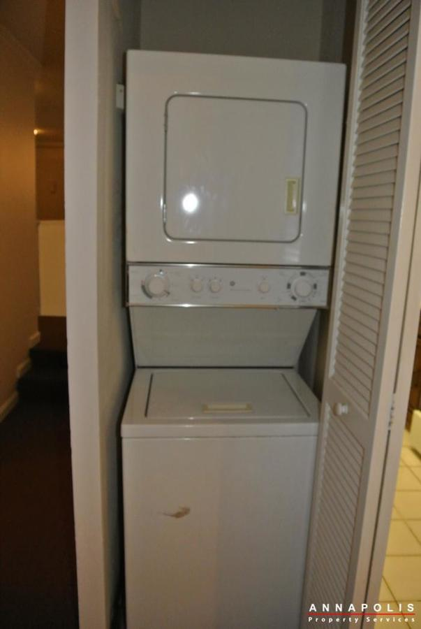 17-silverwood-circle-2-id254-washer-and-dryer