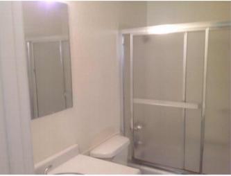 Western22bathroom
