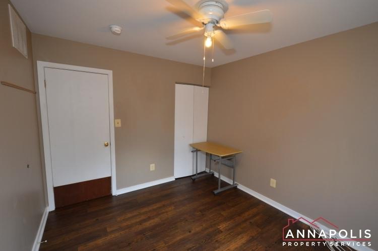 1607-hilltop-road-id1073-bedroom-2b(2)
