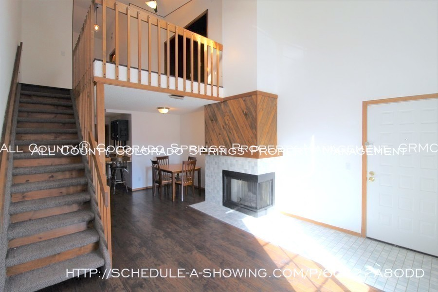 Condo_for_rent_near_us_air_force_academy-living_room_to_loft