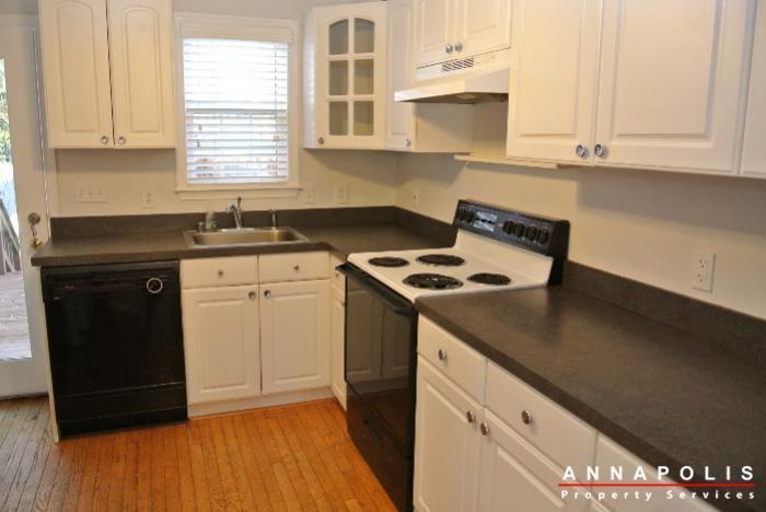 125-eastern-ave-id685-kitchen-b
