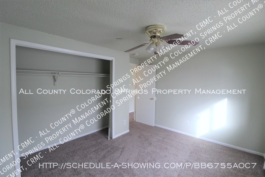 West_side_apartment_for_rent_near_cheyenne_mountain-bedroom3