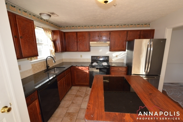 2110-colonel-way-id1077-kitchen-a(1)