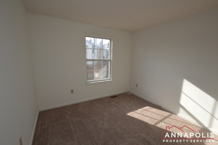2110-colonel-way-id1077-bedroom-2a(1)(1)