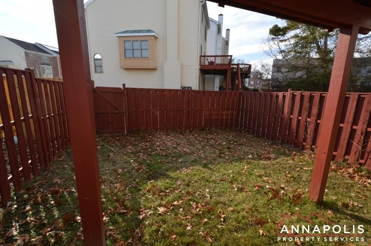 2110-colonel-way-id1077-back-yard-b(2)