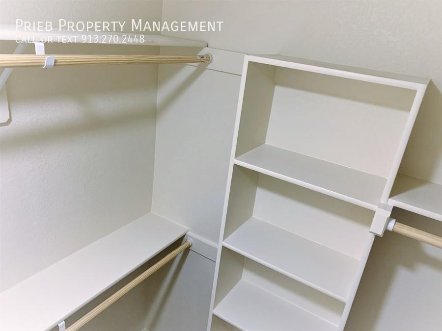 Secondary closet 2