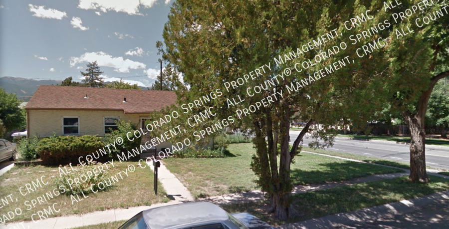 Small_1-level_home_for_rent_near_fort_carson_military_base_and_norad_at_cheyenne_mountain-street_view3