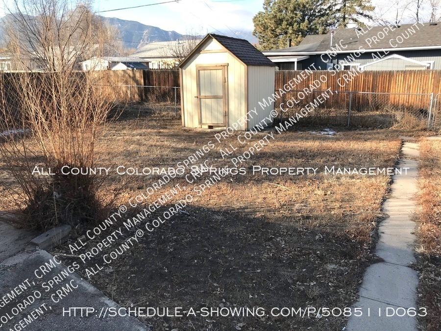 Small 1 level home for rent near fort carson military base and norad at cheyenne mountain backyard2