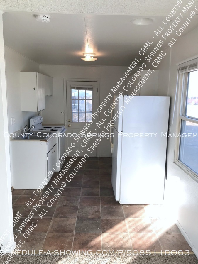 Small 1 level home for rent near fort carson military base and norad at cheyenne mountain kitchen2