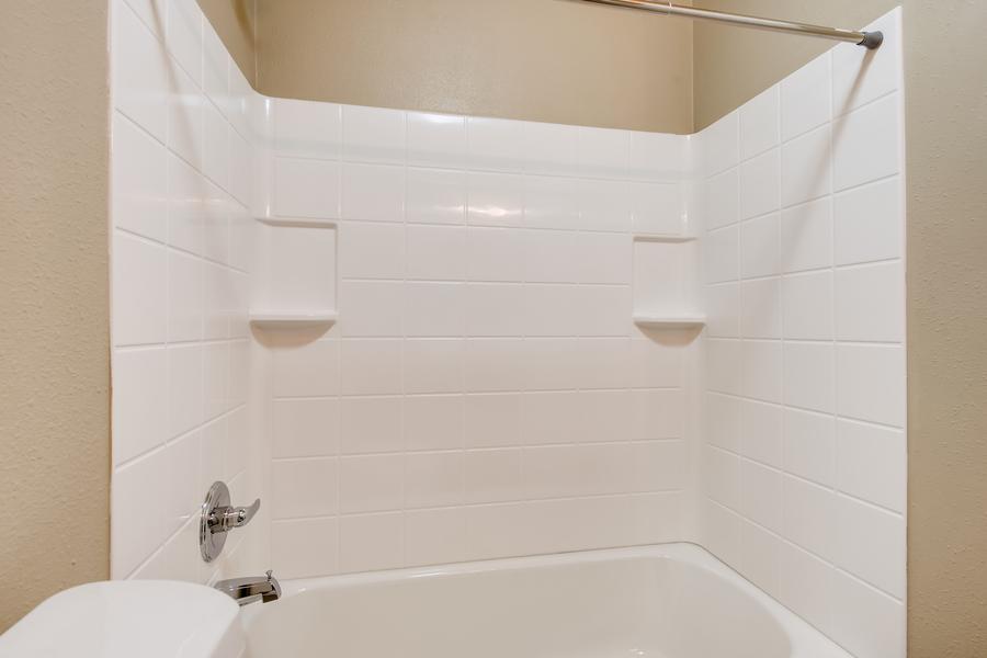 6900 s bannock st littleton co print 014 013 4910 bathroom 3600x2400 300dpi