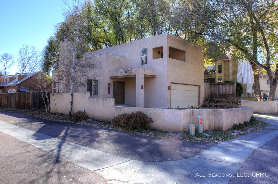 Central Colorado City 3 Bedroom Rental At 1828 Strasbourg Point Colorado Springs Co 80905