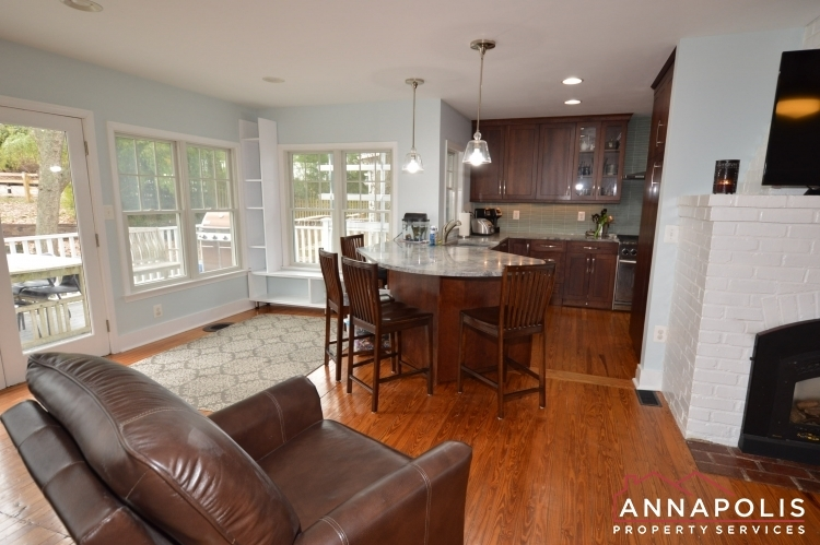 161-severn-way--id1080-living-and-kitchen