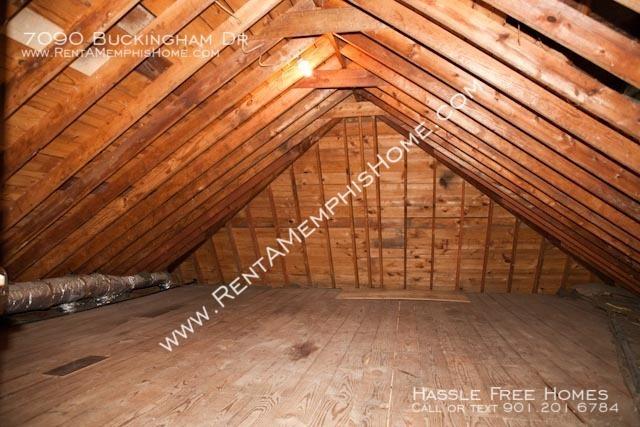 7090buckingham-attic