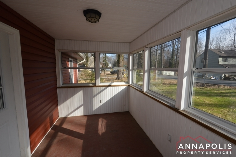 440-kyle-drive-id177-porch-an