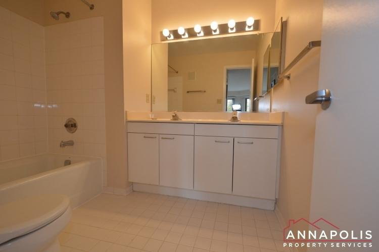 2106 e chesapeake harbour t2 id1081 master bath vanity