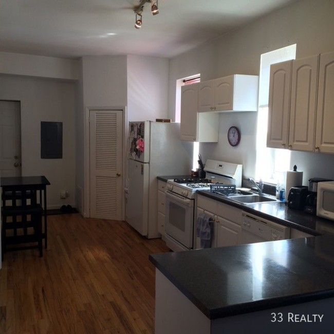2108-w-division-st-unit-3-chicago-il-building-photo_-_dhereck_gomez