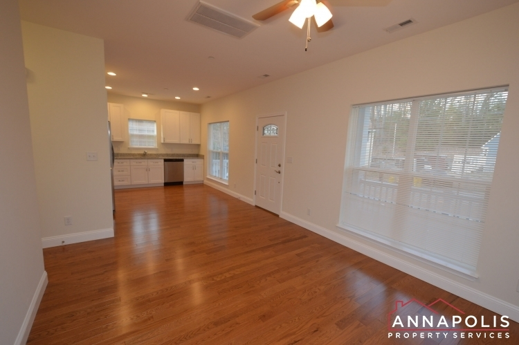 409-serpentine-road-id1083-living-and-kitchen-b